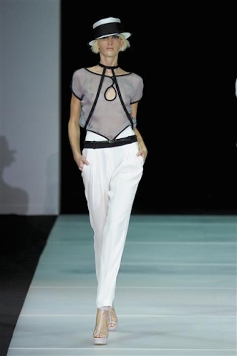 Vestidos-blanco-y-negro-Armani-2012-19