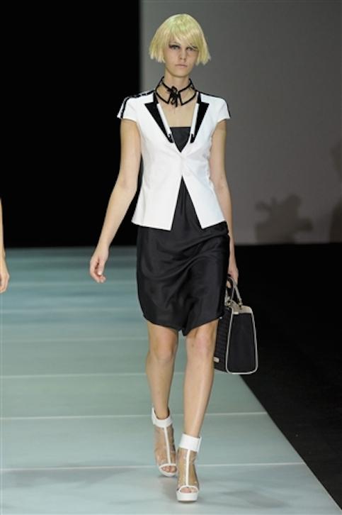Vestidos-blanco-y-negro-Armani-2012-5