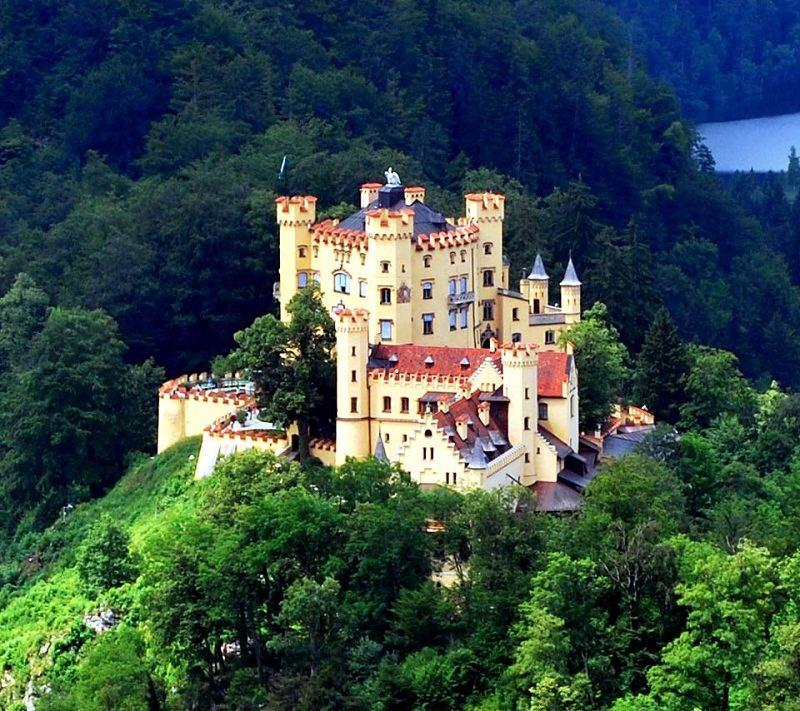 incredible-castles-hohenschwangau