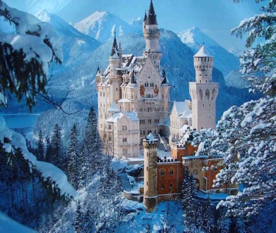 neuschwanstein-castle-romanesque-palace-rugged-hill-germany-europe-miracle1-600x450