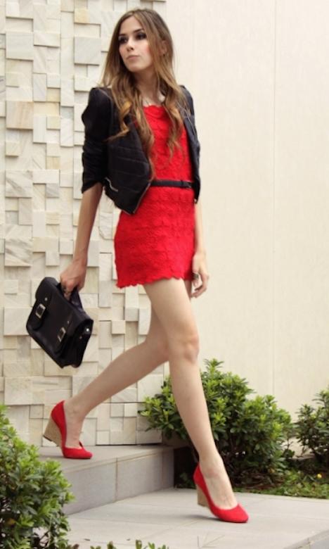 combinar zapatos rojos-c
