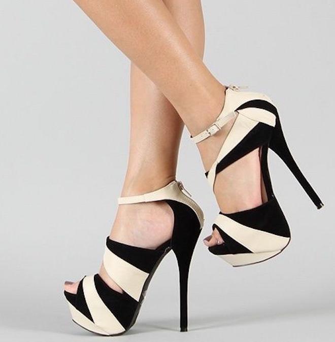 r- zapatos de dos colores