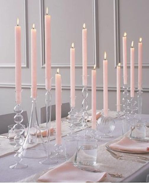centro-mesa-decoracion-boda-candelabros-velas-rosa-minimalista1