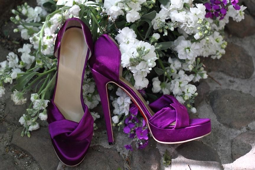 zapatos morados, como combinarlos - Mujer Chic