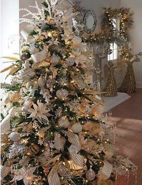 arbol de navidad blanco y dorado