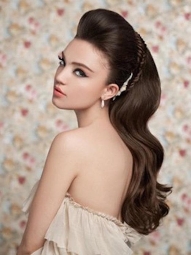 Peinados para fiesta con vestido corto