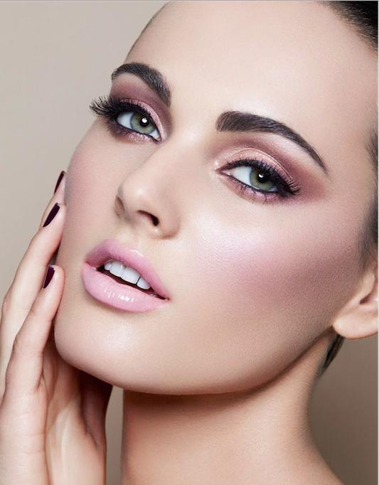 maquillaje en rosadp