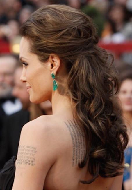 peinados-pelo-rizado-nochevieja-semirecogido-elegante