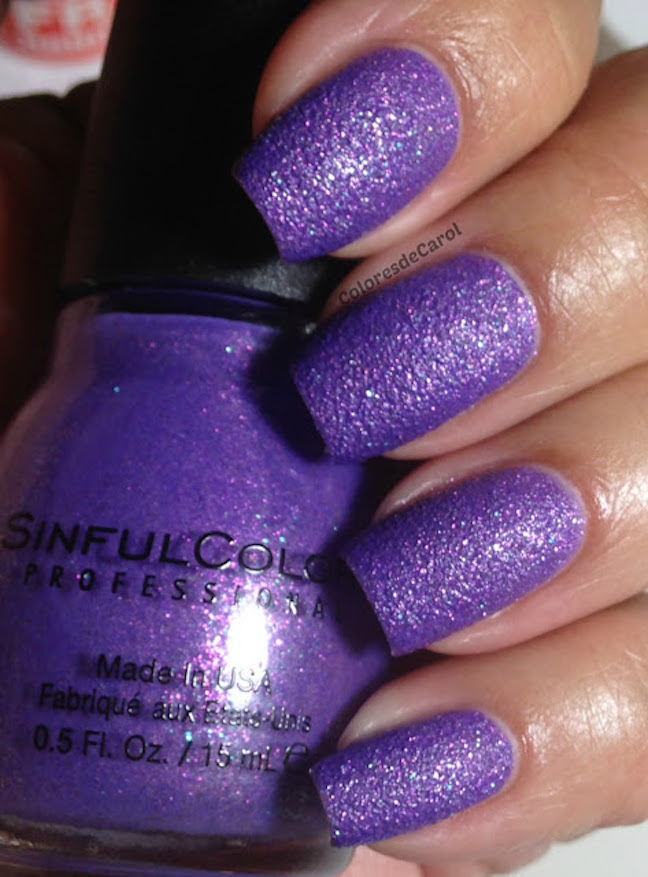 18-Hot-Nail-Polish-Color-Trends-for-This-Season-10
