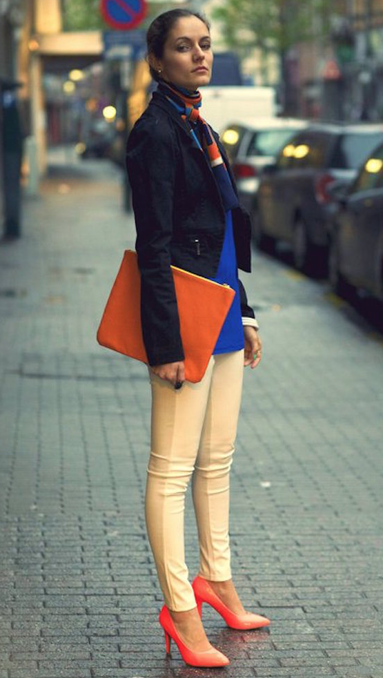 ropa color naranja