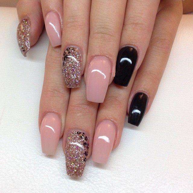20 diseños de uñas en tonos beige, rosados y neutros - Mujer Chic