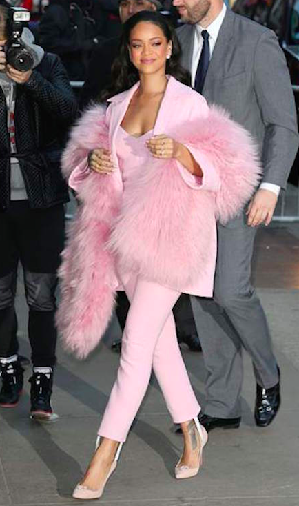 ropa rosada-00