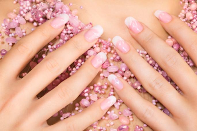 20 modelos de uñas con los colores rosa y nude como base - Mujer Chic