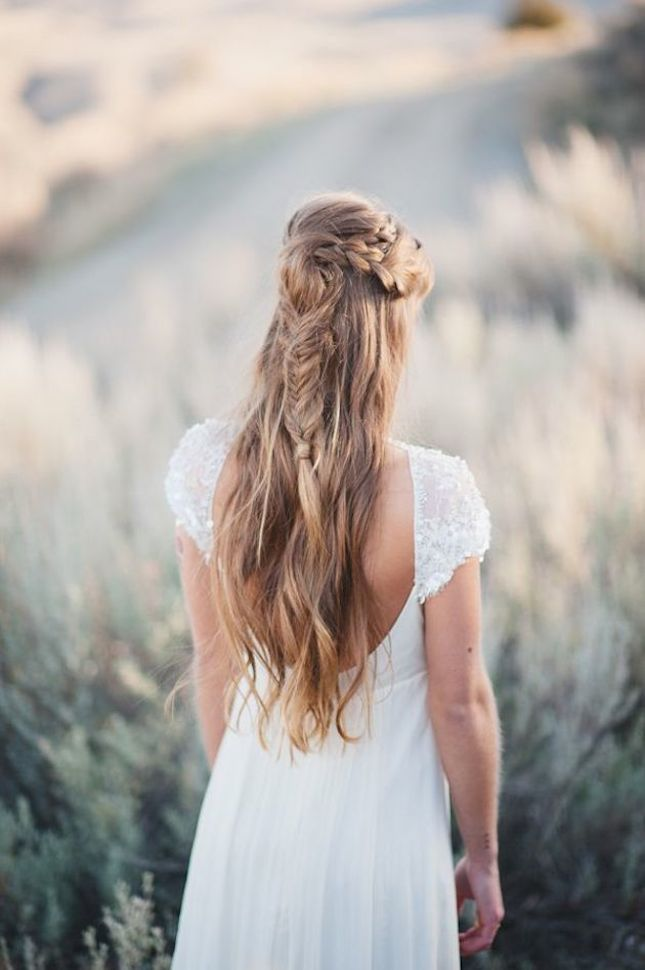 15-Gorgeous-Half-Up-Half-Down-Hairstyles-for-Your-Wedding-Bridal-Musings-Wedding-Blog-101