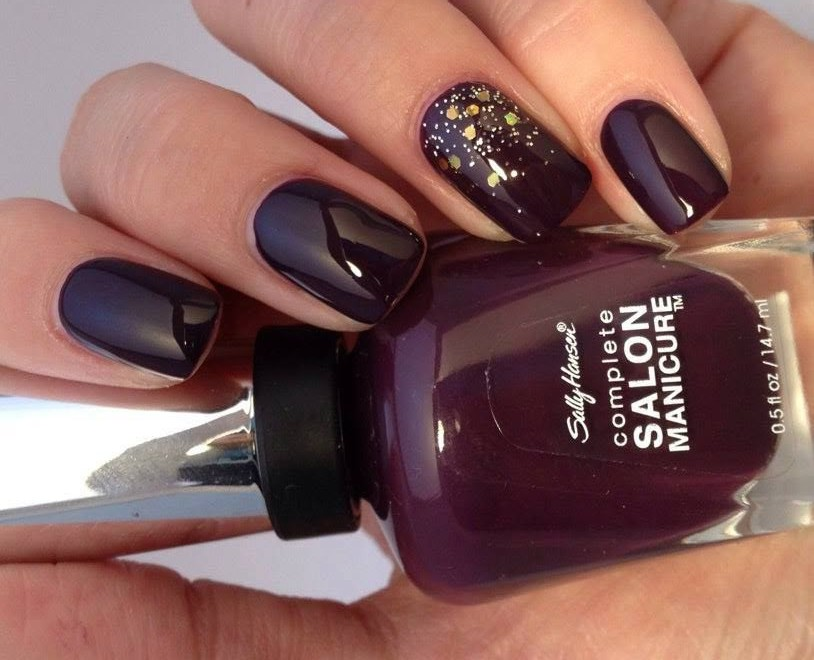 15 ideas de uñas decoradas en colores burdeos - Mujer Chic