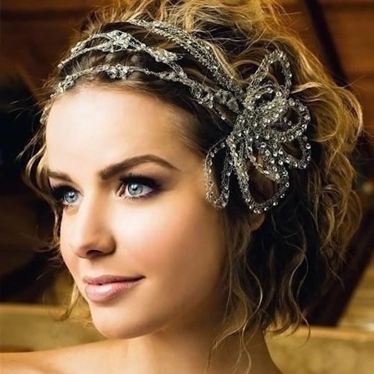 peinados-novia-pelo-corto-rizado