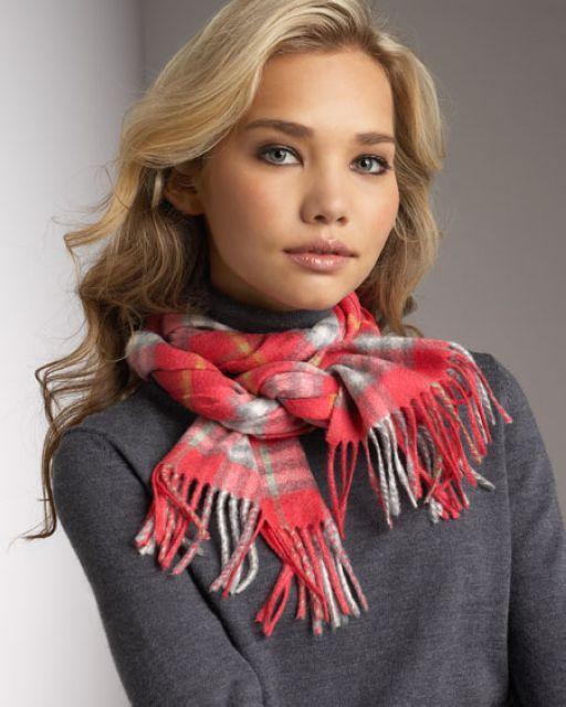 scarf-women-burberry-hat-hardy
