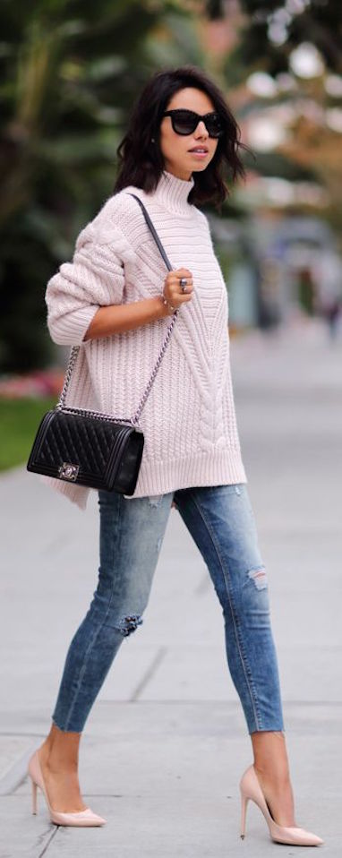 street-style-casual-pink-knit-denim